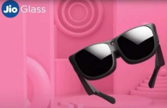 Jio announces new Jio Glass for 3D interactions, holographic content
