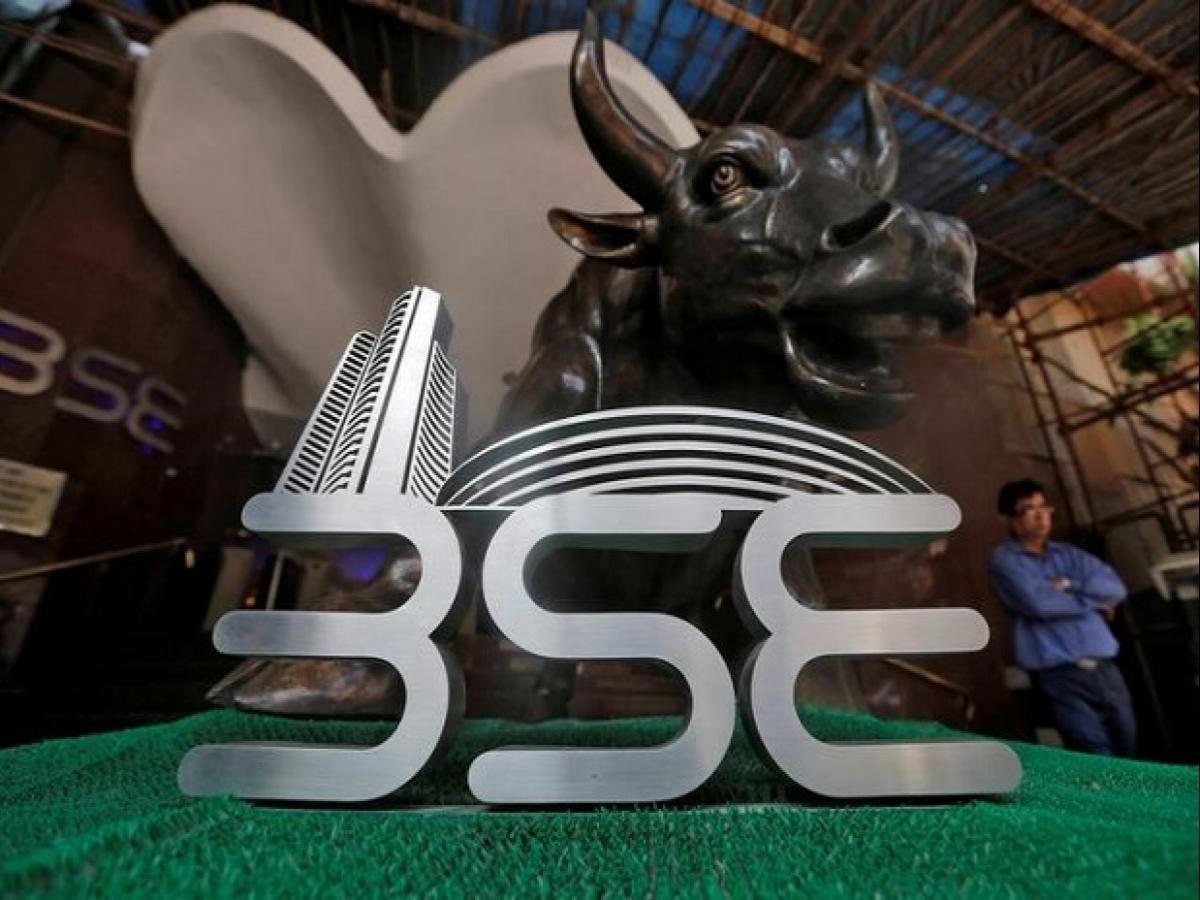 Sensex, Nifty likely to open lower amid mixed global cues