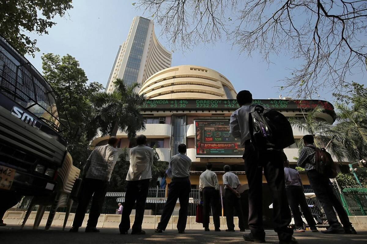 Sensex up 200 points, Nifty above 17,400; Tech Mahindra, Tata Steel top gainers; Zee Entertainment in focus