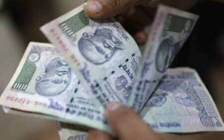 Indian rupee slumps 17 paisa to 75.16 against US dollar in early trade.